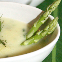 Crèmesoep van groene asperges